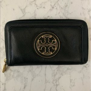 Tory Burch Continental Black Leather Wallet